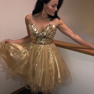Night moves Prom pageant homecoming size 4